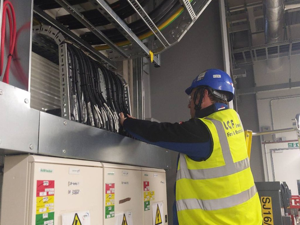 7 data centre build out commercial electrical contractor london